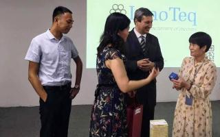 Üzleti prezentáció Nanningban